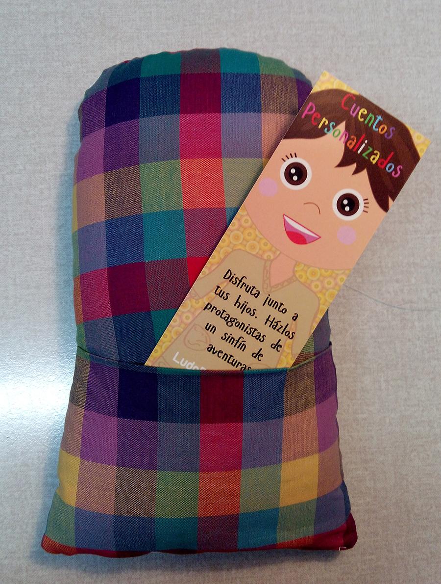 muñeca con bolsillo secreto