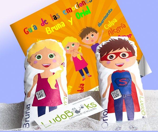 cuentos personalizados originales con sus muñecos personalizados