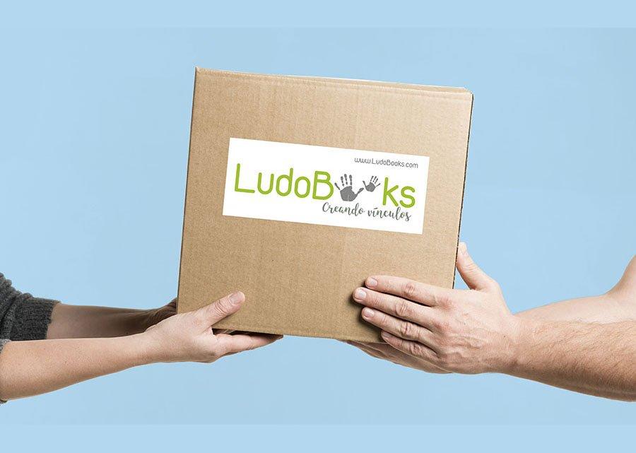 libros personalizados con caja de carton eco